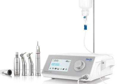 Apparecchiatura per implantologia
